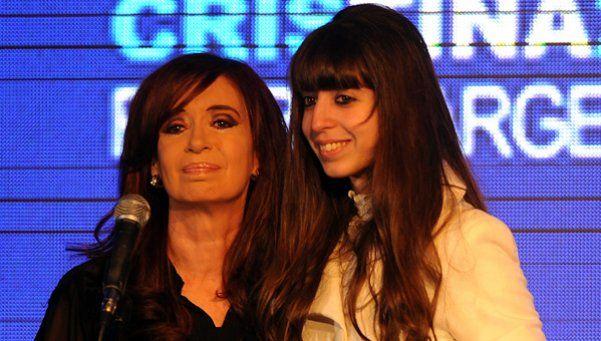 Florencia Kirchner usó el Facebook de Cristina para criticar a un medio
