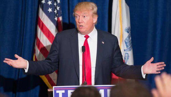 Trump amenaza con encarcelar a quien queme banderas de EEUU