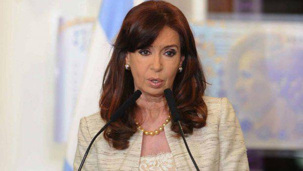 """Cristina manifestó su """"solidaridad"""" con el """"Pueblo y Gobierno de Francia"""""""