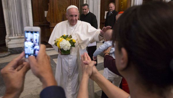 Vaticano: sínodo aprueba integración de los divorciados