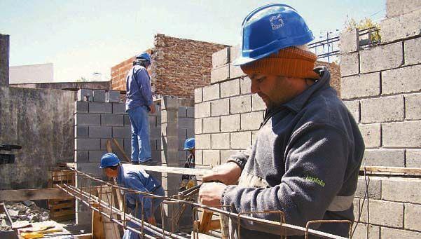 En dos meses hubo 54.000 despidos en la construcción