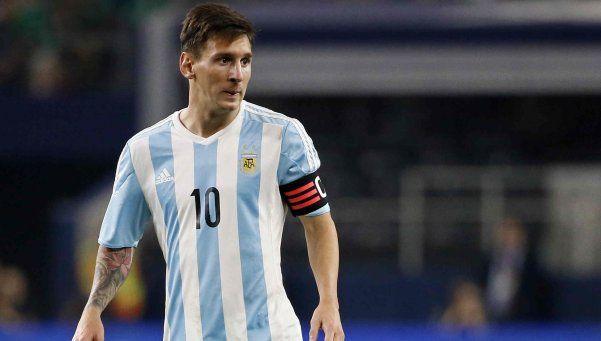 """Guerra"" por Messi: Argentina y Barcelona enfrentados por posible citación"