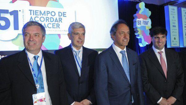 Scioli llevó a su futuro Gabinete a la inauguración del Coloquio de IDEA