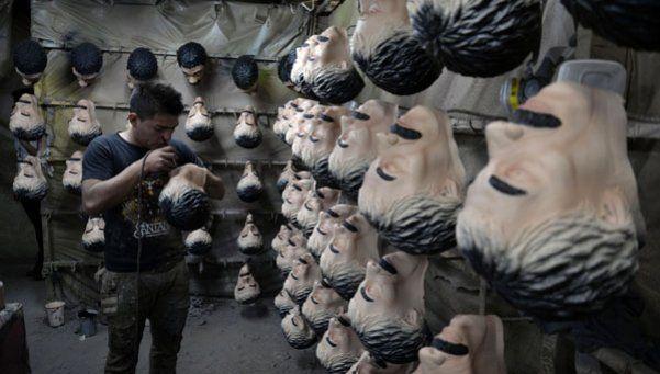 En México es furor el disfraz del Chapo Guzmán