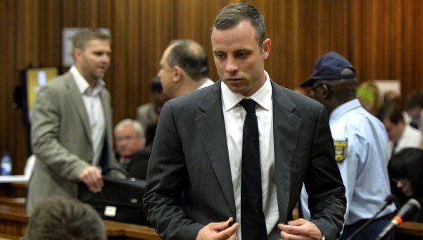 Pistorius fue condenado a seis años de prisión por asesinato