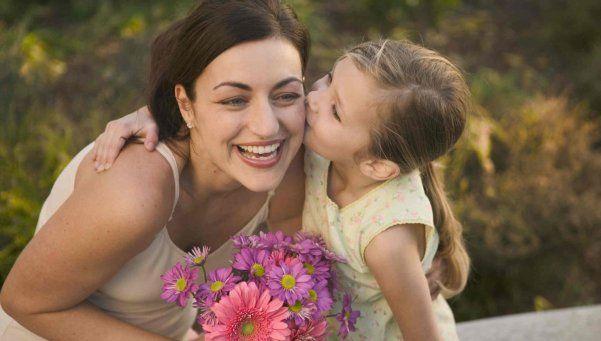 Día de la Madre, entre la tradición de la reunión y los regalos