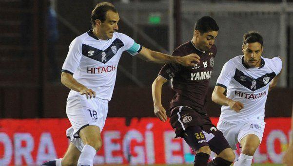 Vélez venció a Lanús en la última jugada y volvió a sonreír