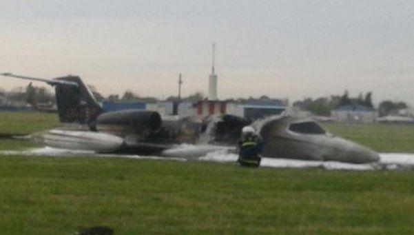 Se despistó e incendió un avión de Lázaro Báez