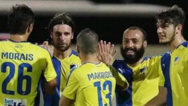 Goles argentinos por el mundo: Cavenaghi, por tres en Chipre