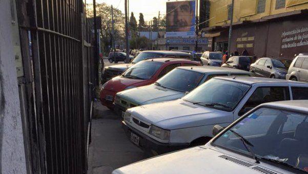 El desorden vehicular se apodera de la ciudad de Turdera