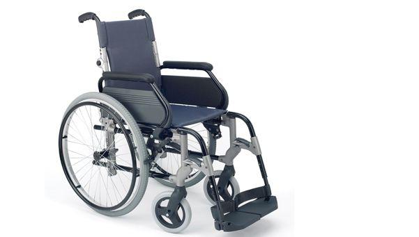 Tres chicos, detenidos por robar una silla ortopédica