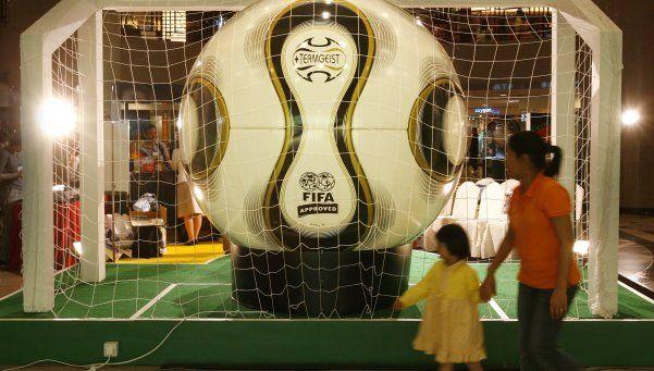 Denuncian a Adidas por compra de votos en el Mundial 2006