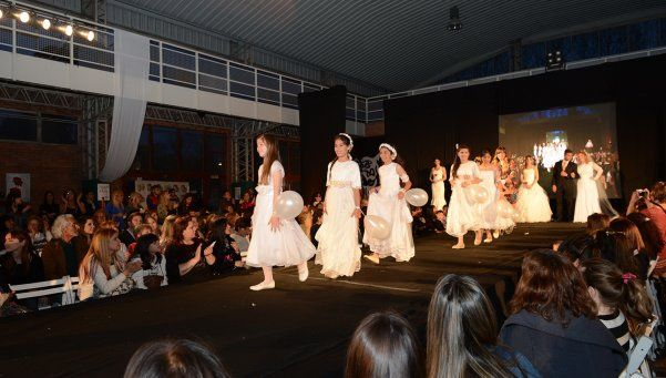 Moda, inclusión y arte en un tradicional desfile