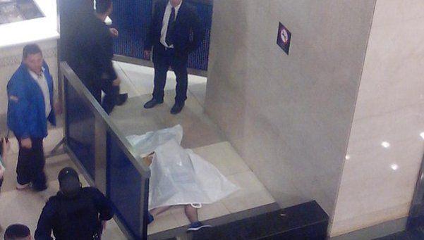 Joven murió al caer del tercer piso del Abasto