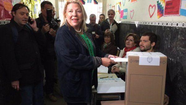 """Votó Elisa Carrió: """"La Virgen no nos va a fallar"""""""