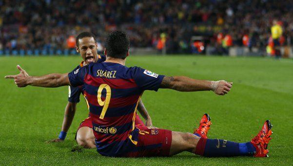 El Barça lo dio vuelta con un Suárez letal y también es líder