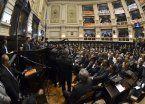 El Presupuesto bonaerense ingresa a la Legislatura en medio del fuego cruzado