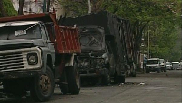 Prendió fuego un camión estacionado en la puerta de su casa