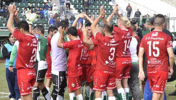 Deportivo Laferrere: Cierra la fecha en un choque clave y aún cree en el ascenso directo