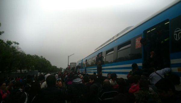 El tren Sarmiento vivió una mañana con problemas