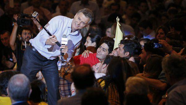 Macri convoca a fiscales para la segunda vuelta electoral