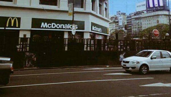 Cerraron el McDonalds del Obelisco por los festejos de Boca