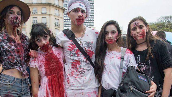 "Fotos | Cientos de ""zombies"" marcharon por Retiro"