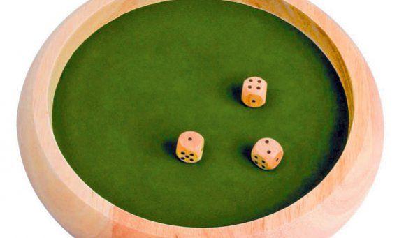 """Póker """"al vesre"""" se dice Bidú"""