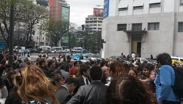 Evacuaron los ministerios de Salud y Desarrollo Social por amenaza de bomba