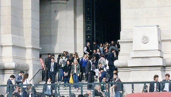 Evacuaron Tribunales por amenaza de bomba