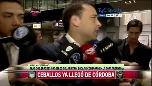 """Ceballos bajó del avión y siguió pifiando: """"Mañana dirijo"""""""
