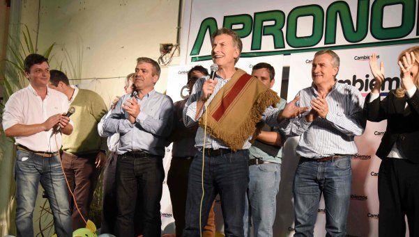 """Macri cuestionó a Scioli: dice que """"se sacó el antifaz"""""""