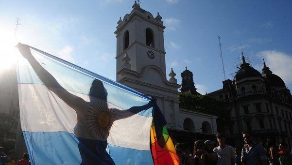 La Marcha del Orgullo copa la Ciudad bajo el lema: Ley Antidiscriminación YA