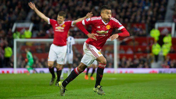 Con Rojo, el United ganó y es escolta de los punteros