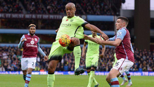 El City empató ante Aston Villa, pero sigue arriba
