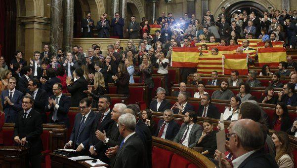 España: Tribunal Constitucional suspendió plan catalán
