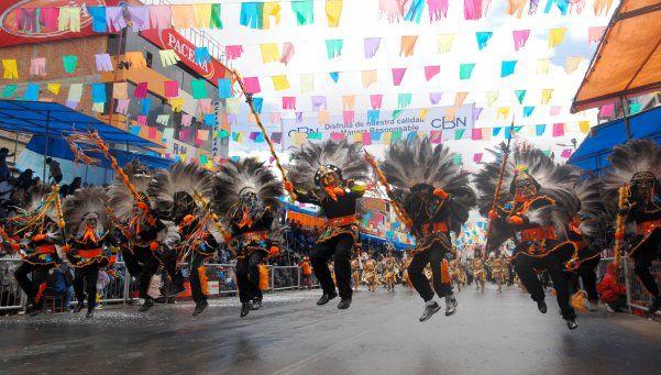 Carnavaleando, el libro que recorre los carnavales latinoamericanos