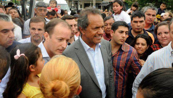 Scioli acercó sus propuestas de gobierno a vecinos de Lomas