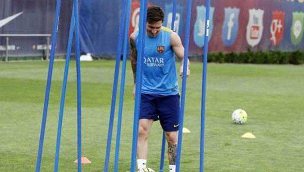 Messi se entrenó con pelota y sueña con jugar ante Real Madrid