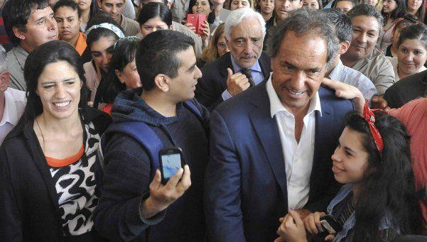 Scioli: Yo defiendo lo público, Macri defiende otros intereses