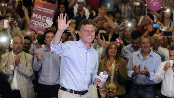 """En Mendoza, Macri pidió """"una transición ordenada"""""""