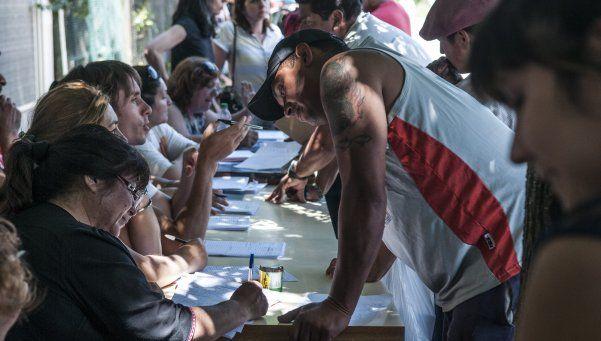 Comenzó un censo en las tierras tomadas de Merlo