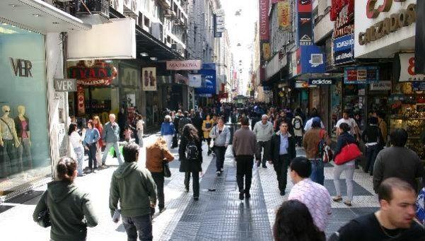Derechos de los peatones en veredas