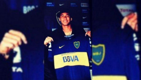 Antes de pisar el Monumental, Neymar posó con la camiseta de Boca