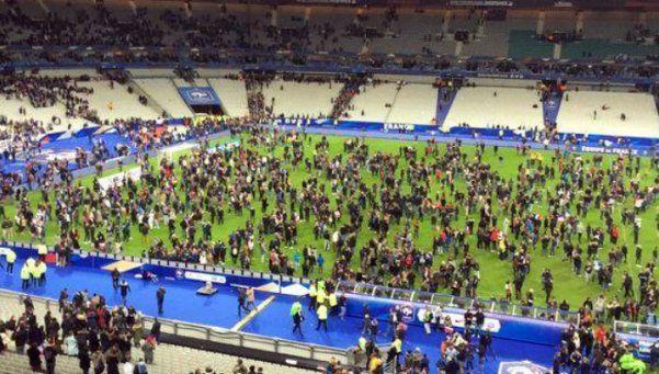 Video   Así evacuaron el estadio de París tras los atentados
