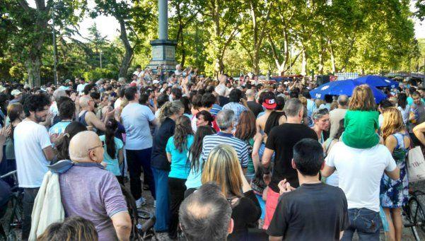 Jornada de reflexión en parques porteños por atentados en Francia