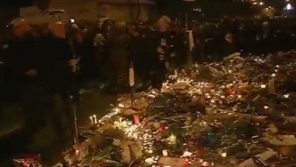 Terror en París: corridas y estampidas en la Plaza de la República