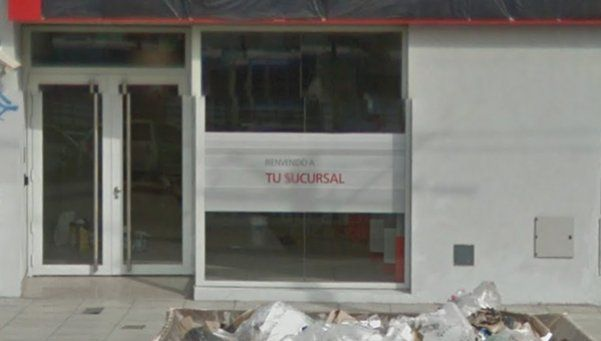 Robaron 200.000 pesos de un banco en Ciudadela