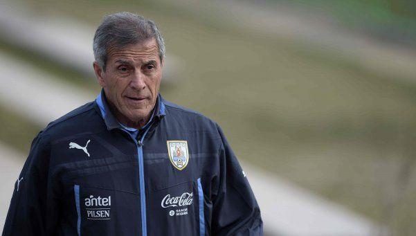 Tabárez ya tiene los 11 para enfrentar a la Argentina de Messi