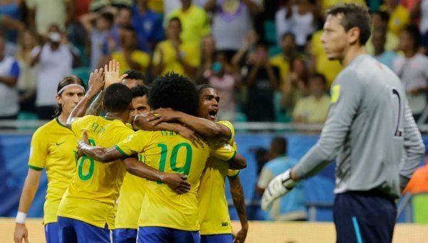 Brasil venció a Perú y termina el 2015 en el tercer lugar